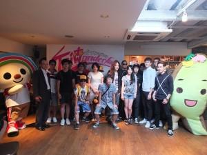 台灣4組樂團代表和吉祥物Open小將、台灣達一起炒熱活動