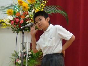 代表同學唱作俱佳