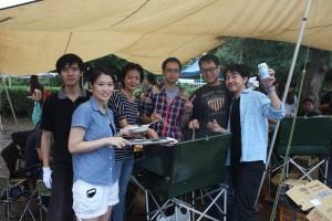 BBQを楽しむ台湾人留学生のみなさん
