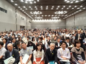 原預定一千名的演講會   湧入一千六百名民眾