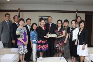 日本台湾商会連合総会ら一行と沈代表