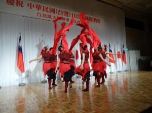 表演大阪中華學校舞蹈社帶來精彩