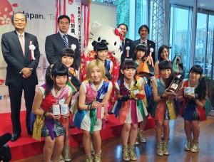 記者會上找來宣傳親善大使Hello Kitty和少女團體Cheeky Parade到場站台