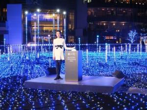 拿下2014年東京國際影展最佳女主角獎的宮澤理惠,出席東京中城的星光花園點燈儀式