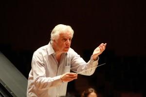 主席指揮者のギルバート・ヴァルガ(写真提供:台北市立交響楽団)