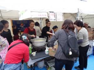 欣華會熱賣茶葉蛋、割包
