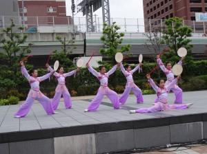大阪中華學校舞蹈社表演鼓舞