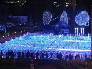 從連結東京中城大樓的天橋上可以拍到整個星光花園的景色