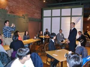駐橫濱辦事處處長粘信士設宴歡迎南湖高中籃球隊訪問橫濱