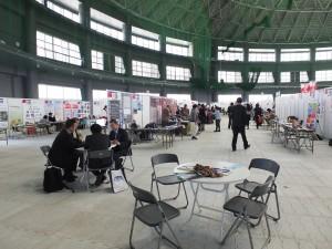 「オキナワベンチャーマーケット 万国津梁大異業種交流会」会場にて。台湾企業のブースが会場の3分の1を占めていた。