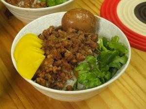 滷肉飯(台湾風肉そぼろご飯)