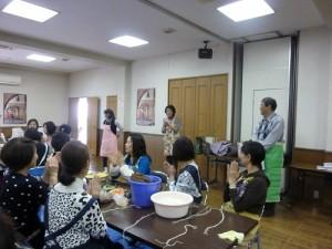 橫濱自由華僑婦女協會會長陳淑華致詞感謝大家踴躍參加
