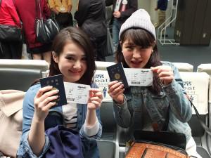 記念すべき成田発の初便に搭乗した女子大生