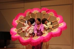 台湾屏東慈恩客家楽舞団による客家伝統舞踊