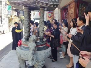東京媽祖廟每逢節慶活動皆會號召僑民與信徒到廟內進行團拜