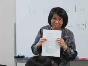 台湾語を教えている、よみうりカルチャー講師の陳麗惠先生