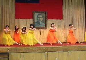 舞蹈演出展現東京中華學校學生的活力