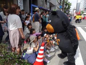 可愛的台灣觀光協會吉祥物『台灣喔熊』大受小朋友歡迎