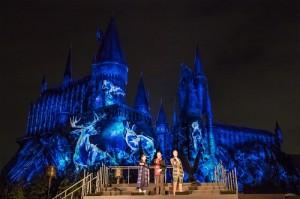 日本環球影城於5月20日舉辦紀念活動,宣告推出3D版的「哈利波特禁忌之旅」(™ & © Warner Bros. Entertainment Inc. Harry Potter Publishing Rights © JKR. (s15))