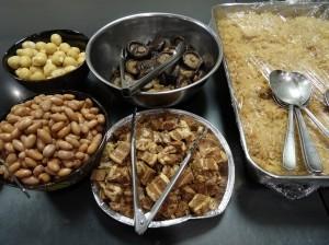 京都華僑總會準備了真材實料 邀請大家包粽子歡度端午佳節