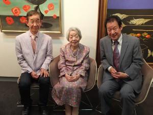 左から、立石氏の次男・雅夫さん、妻・寿美さん、長男・光夫さん