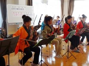 旅日二胡演奏家魏麗玲師生所組成的玲子樂坊 演奏多首台日名曲