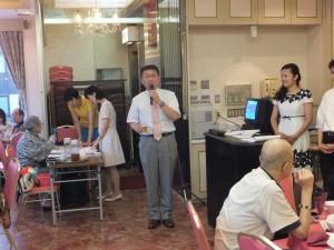 靜岡日台友好協會會長長谷川博司帶領大家乾杯,為活動揭開序幕