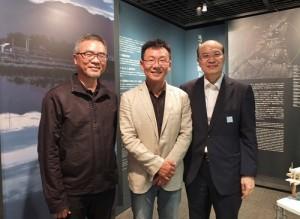 駐日台灣文化中心主任朱文清(右)特別到場支持(左1、2分別為黃俊銘及黃聲遠)