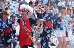 原住民の衣装を着た台湾人と日本の浴衣を着た日本人が一緒に踊る姿に感動