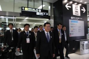 桃園市訪問団らが成田国際空港直結の鉄道アクセスを視察