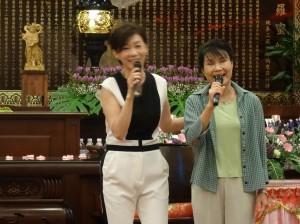 駐大阪辦事處蔡處長夫人與旅日歌手侯麗文合唱月亮代表我的心