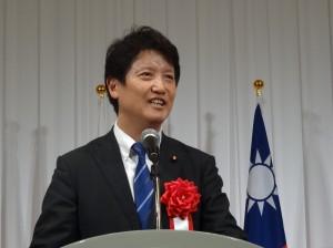 日本眾議員 足立康史