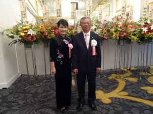 駐大阪辦事處處長蔡明耀伉儷盛裝迎賓