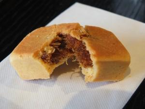 呉先生が台湾の知り合いに頼んで作ってもらったという絶品パイナップルケーキ
