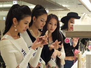 日本の美容用品にも興味津々