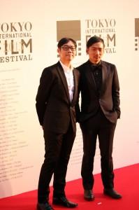 「百日草」の林書宇監督(左)とストーン(右)