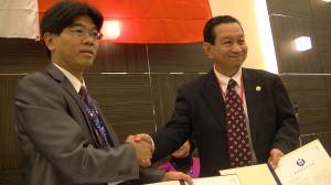 東京國際傑人會 台中縣傑人會締盟意向簽約〈左:台中縣傑人會長倪邦民 右:東京傑人會會長簡憲幸〉