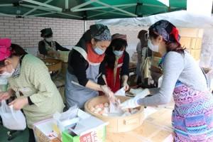 橫濱中華學院創校119周年文化祭活動上也有販售台灣小吃