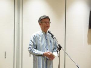 沖繩縣知事翁長雄志率團訪台前,在機場表示希望此次可以促成台沖企業交流
