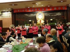 會員合唱十修歌