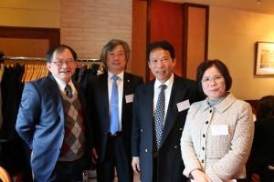 國建會日本聯誼會會長林敬三(左2)、副會長詹秀娟(右1)和總幹事張銀漢(左1),與台灣觀光協會東京事務所所長江明清(右2)合影