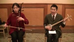 左:林悅子演奏會員 沖內辰郎演奏