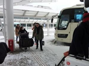 ④雪の駐車場へ