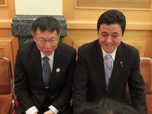 岸議員は昨年の訪台時にも柯市長と面会しており、親交が深いという