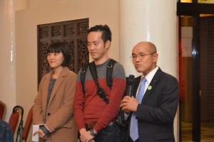 初訪台した福島県南相馬市の桜井勝延市長(右)