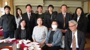 左二:新垣委員與千葉台商會成員合影