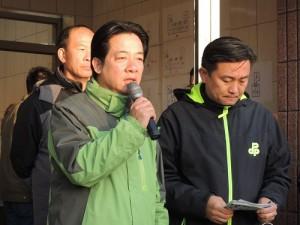 台南市長賴清德於2月8日再度到指揮所了解救援現況(照片提供:台南市政府)