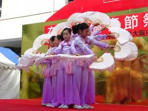 大阪中華學校舞蹈社舞出優美『夜來香』