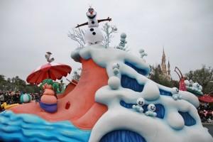 《冰雪奇緣》遊行中最受歡迎的莫過於雪寶