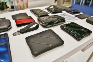 MOXOR以機車椅墊為素材製作皮件,兼具環保時尚